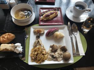 モードサトーンホテルの朝食